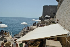 Dubrovnik_cliff_bar